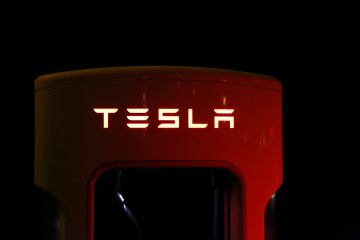 photo-tesla-oplaadpunt