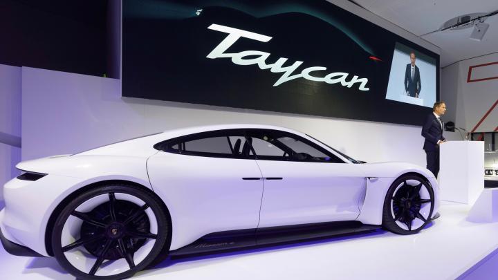 Nieuwe Porsche Taycan valt vies tegen